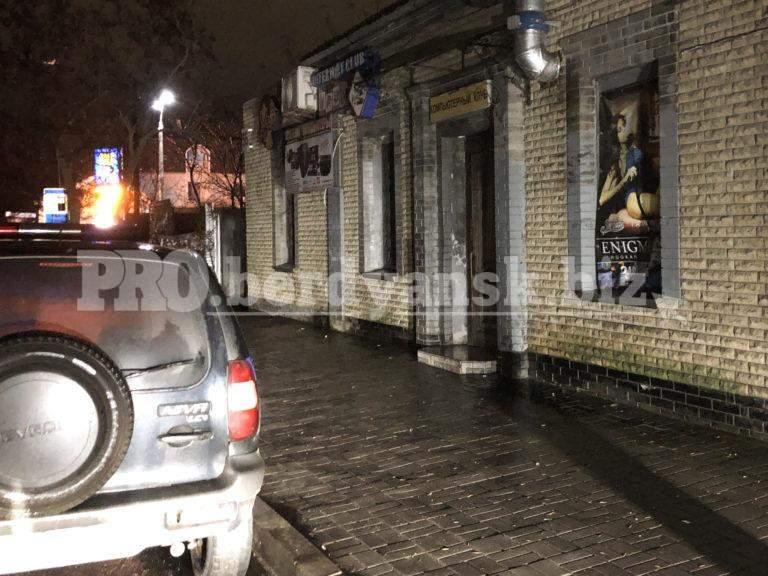 В Бердянске ночью посетитель кафе угрожал подорвать заведение и всех присутствующих
