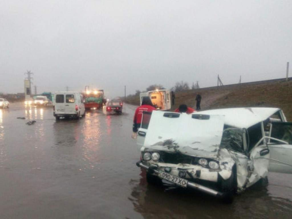 Водитель автомобиля устроил смертельное ДТП под Херсоном и скрылся с места происшествия(ФОТО)