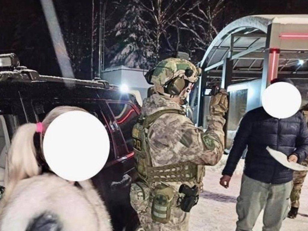 Полиция на Прикарпатье  задержала сутенеров