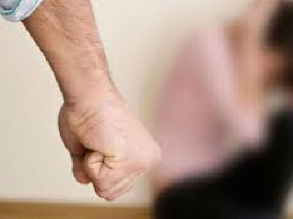В Черкасской области мужчина забил до смерти сожительницу