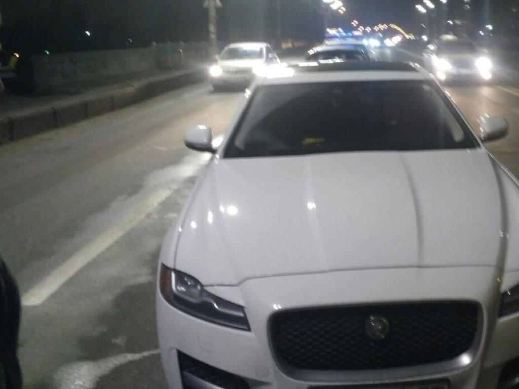 На Левом берегу в Киеве Geely протаранил авто Jaguar