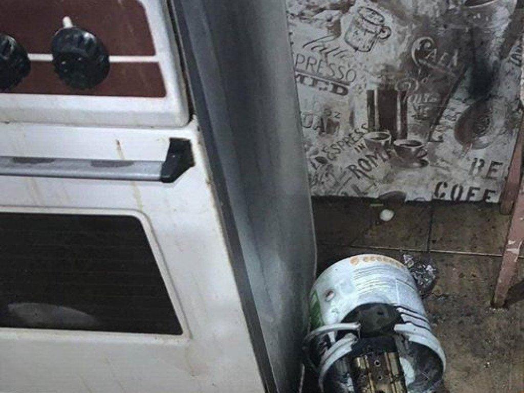 В Киеве в жилой квартире произошел взрыв (ФОТО)