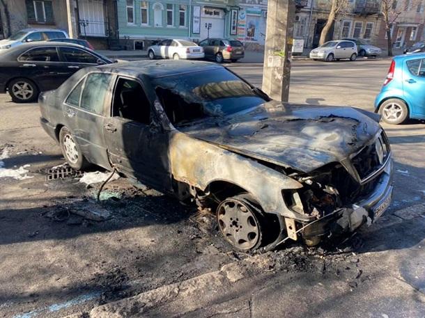В Одессе сожгли авто главе