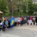Под Кабмином  протест развернули воспитанники школы олимпийского резерва и их родители