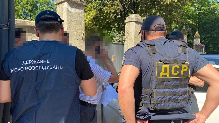 ГБР поймало военного прокурора на взятке