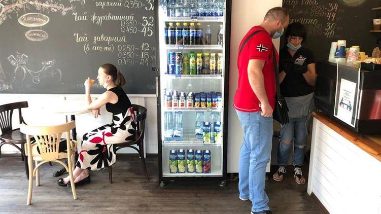 В Киеве Госпродпотребслужба выписала семь штрафов заведениям, в которых не соблюдался карантин