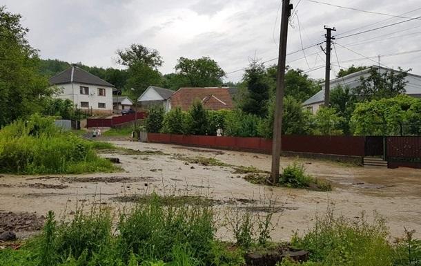 Еще пять населенных пунктов на Буковине остаются подтопленными