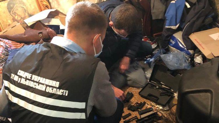 Во Львовской области поймали священника - торговца оружием