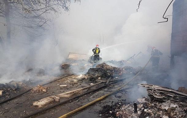 В Киеве произошел пожар в гаражном кооперативе