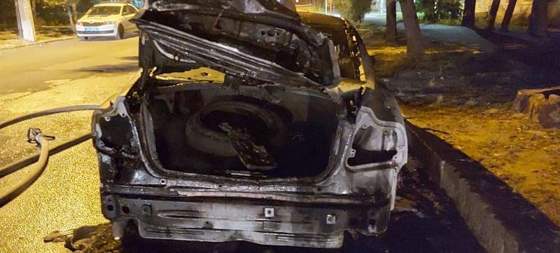 Поджог автомобиля главы николаевского «Нацкорпуса» взяла на себя организация «Вольный город Одесса»