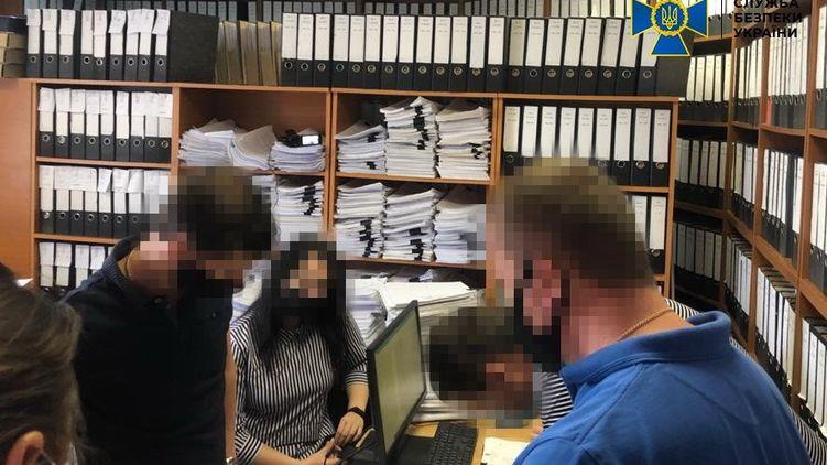СБУ провела обыски в мэрии Днепра
