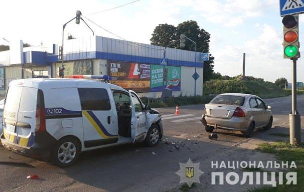 В  Харьковской области полицейские попали в тройное ДТП