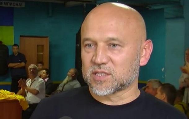 Под Киевом неизвестный из пистолета расстреляли автомобиль бизнесмена