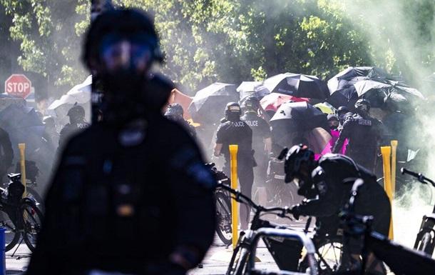 Полиция американского Сиэтла признала действия протестующих бунтом