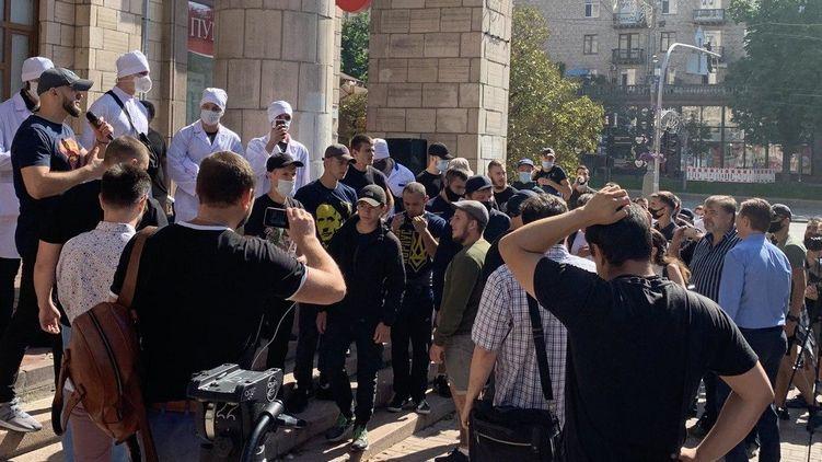 Журналисты вышли под стены Нацсовета по ТВ