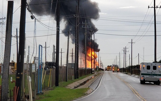 В Техасе произошел пожар на предприятии по производству СПГ