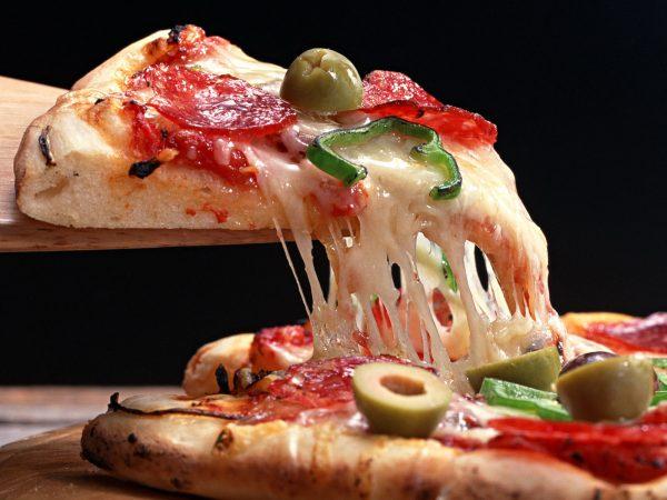 Доставка свіжої та ароматної піци у Львові