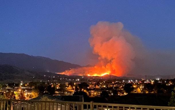 Пожар в Калифорнии охватил около пяти гектаров леса
