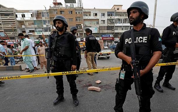 В Пакистане около 40 человек пострадали при взрыве гранаты на митинге