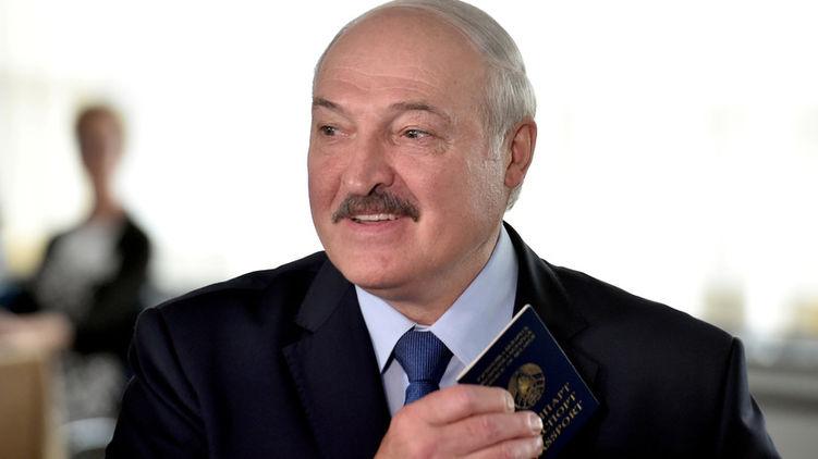 По данным ЦИК Беларуси Лукашенко побеждает на выборах. В стране протесты