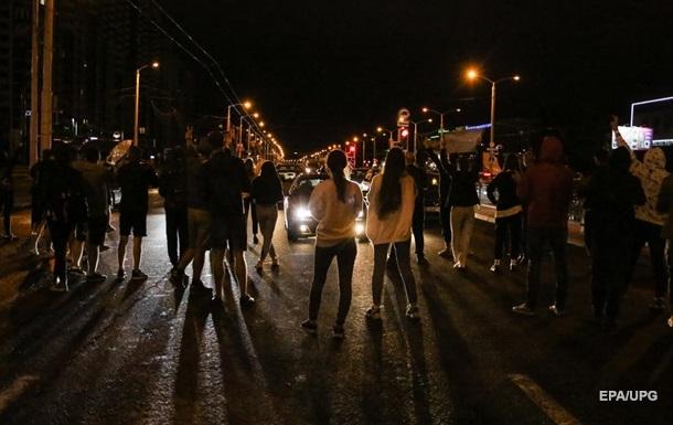 Четвертая ночь протестов в Беларуси прошла почти спокойно