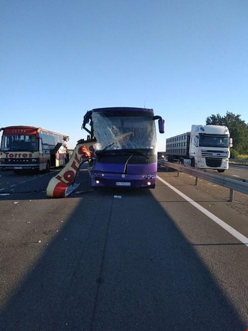 На трассе Одесса-Киев столкнулись два автобуса, погибли два человека