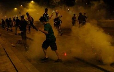 В Париже полиции пришлось применить слезоточивый газ против фанатов
