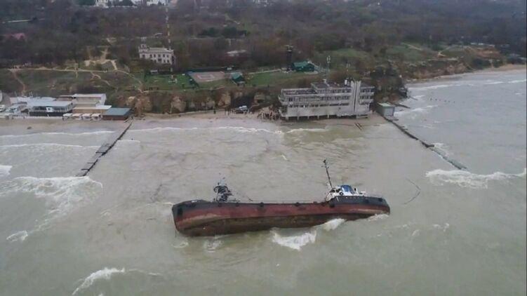 В очередной раз отложили подъем танкера