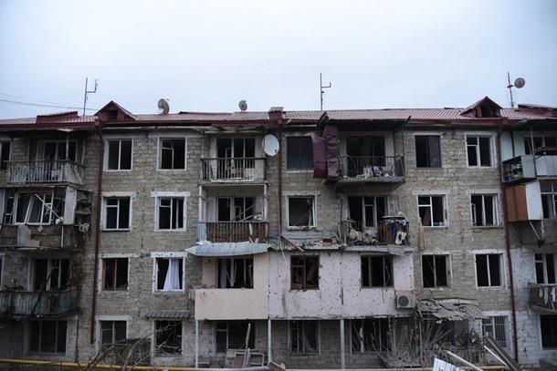 Армения и Азербайджан обвиняют друг друга в обстрелах