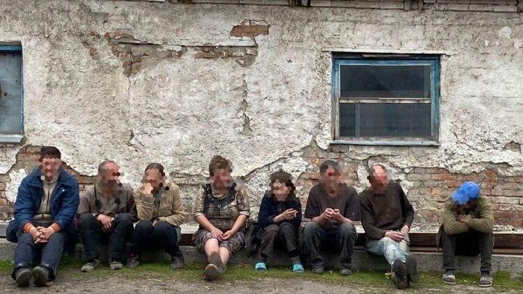 В Харьковской области фермеры удерживали силой 9 человек в качестве рабов