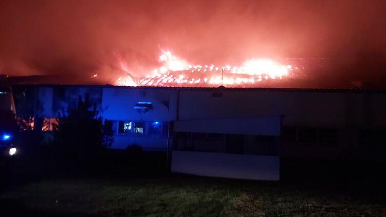 На Закарпатье горела лыжная фабрика