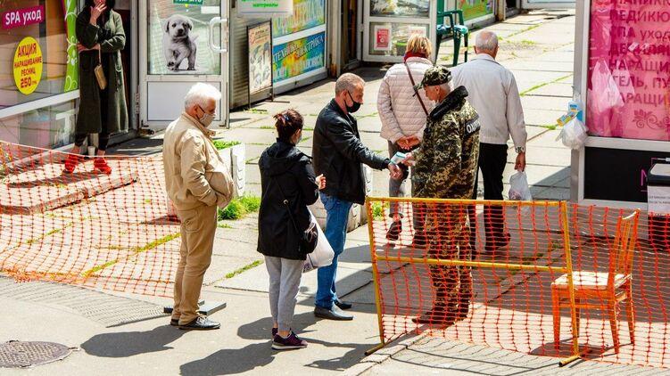 Кабмин ужесточит карантин в Украине. Школы и вузы закрываются