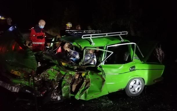 В результате ДТП под Никополем пострадали пять человек