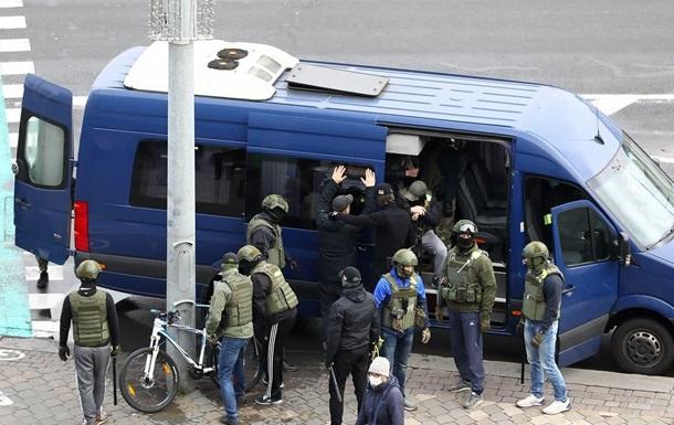 В Беларуси в результате протестов задержано  более 800 человек