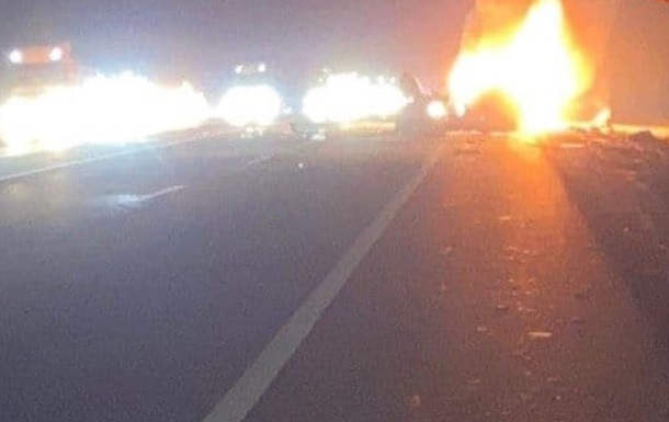 На Одесской трассе произошло лобовом столкновение с последующим воспламенением