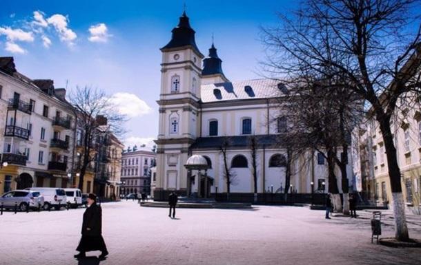 Регионы отказываются вводить карантин выходного дня: во Львове и Ивано-Франковск отменили выходные