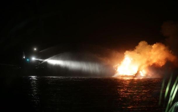 Возле Жукового острова на Днепре горела яхта