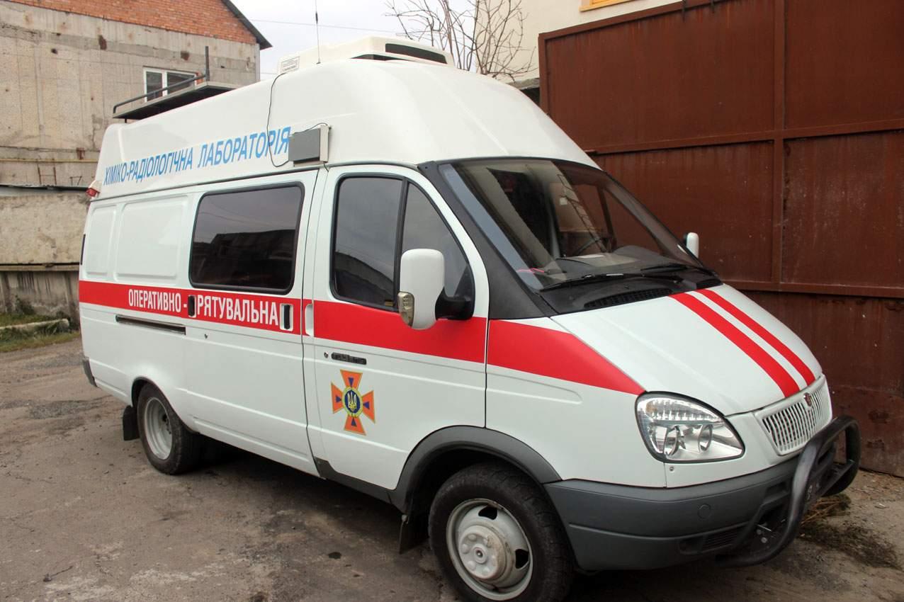 В Хмельницком спасатели не допустили экологической катастрофы