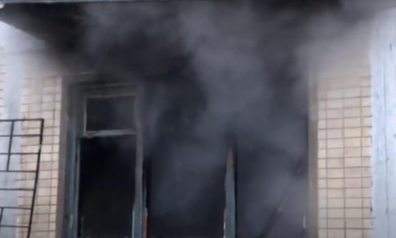 В Киеве загорелся 5-этажный дом