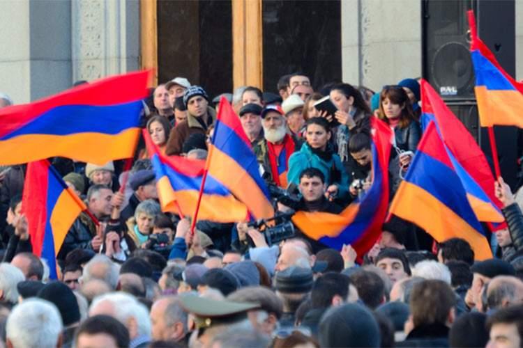 В Армении продолжаются массовые протесты (ВИДЕО)