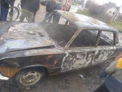 В Ужгороде полностью сгорела легковая машина (ФОТО)