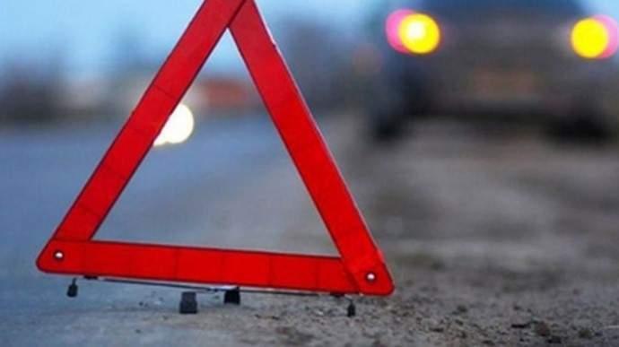 В Днепропетровске грузовик столкнулся с легковым автомобилем