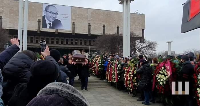 110 тысяч харьковчан пришли почтить память Кернеса (ВИДЕО)