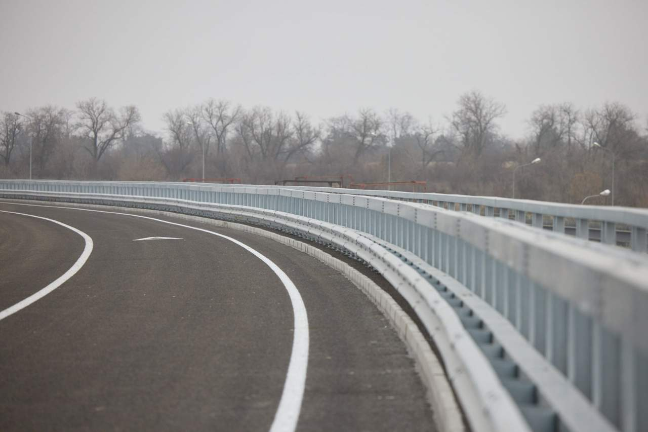 В Запорожье открыли новый мост через реку Старый Днепр (ФОТО)