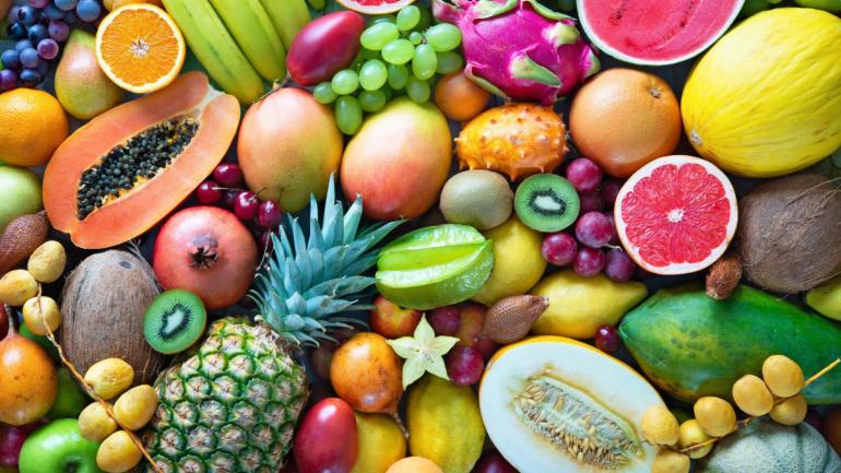 Украинцы к Новому году могут купить фрукты по дешевой цене
