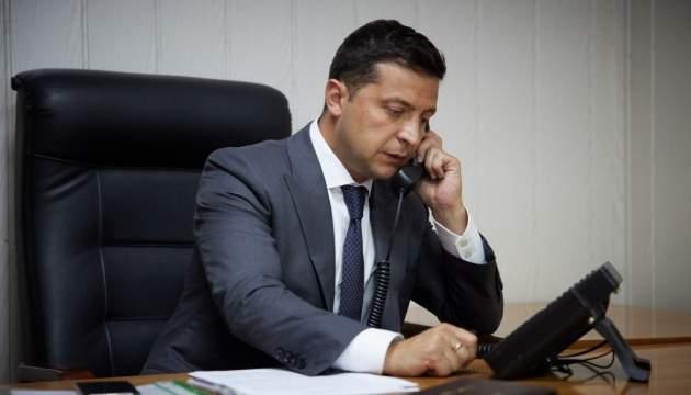 Зеленский планирует провести телефонную беседу с Байденом