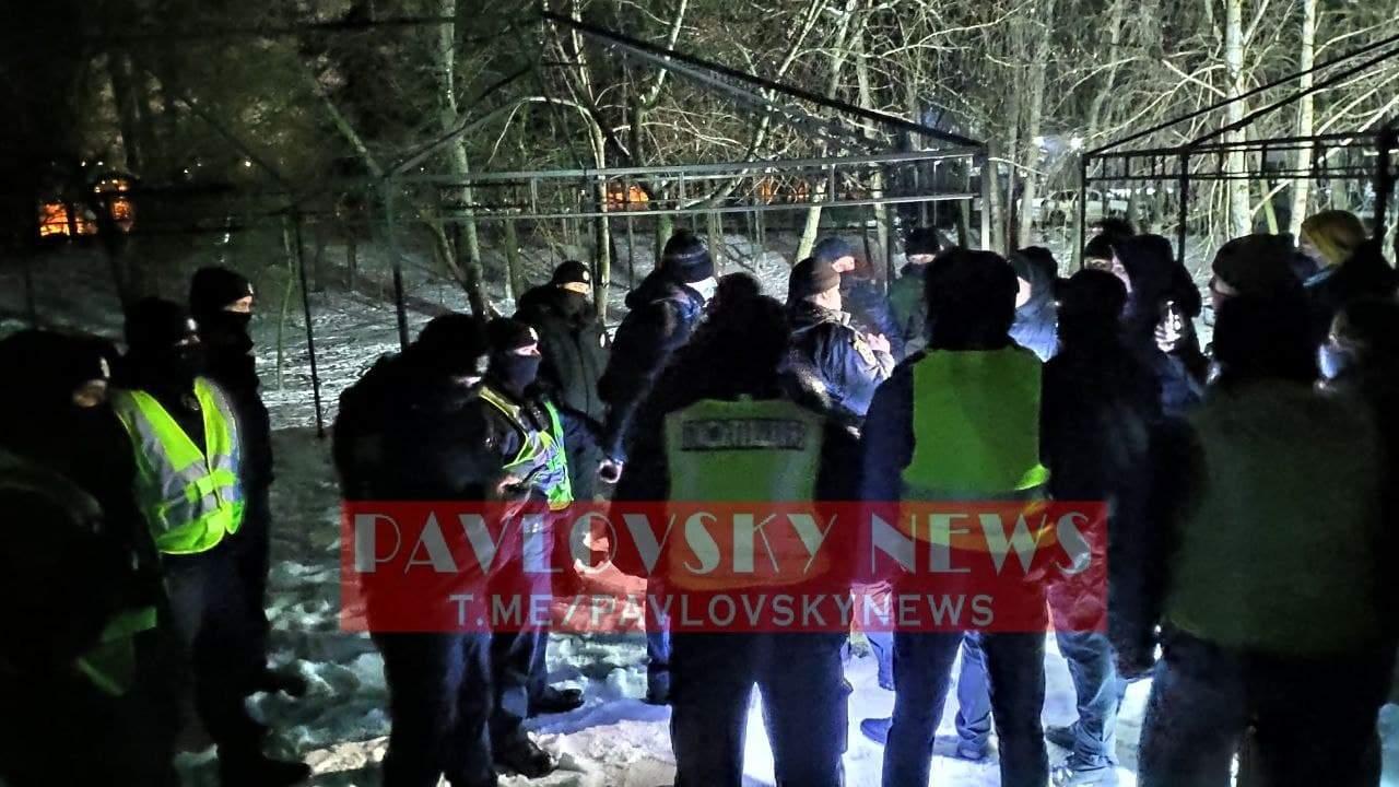 Киевляне взбунтовались из-за постройки ресторана в парке (ФОТО)