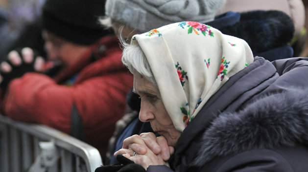 В начале осени 2021 года в Украине повысят пенсионные выплаты