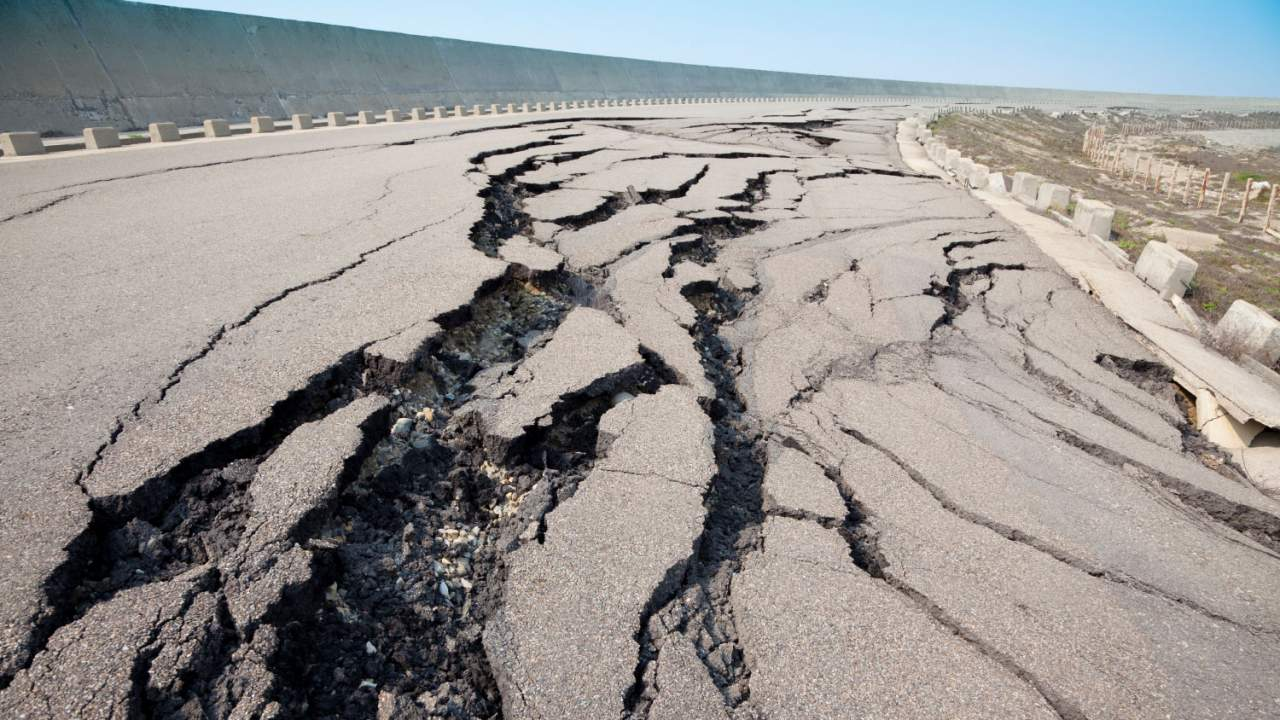 В Японии произошло сильное землетрясение: более 150 человек пострадали