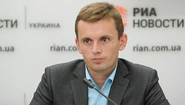 Эксперт заявил, что Зеленский будет лично отвечать за блокировку каналов